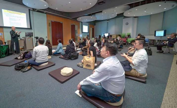 Awareness training. Image courtesy of Centre of Buddhist Studies, The University of Hong Kong